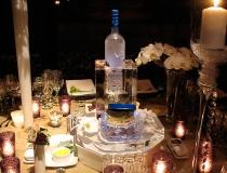 Сервировка стола ледяной посудой