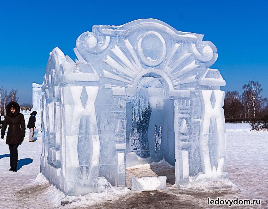 Творения изо льда и снега.