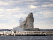 Ледяной маяк на озере Эри фото-3