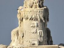 Ледяной маяк на озере Эри фото-6