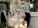Фото интерьерной ледяной скульптуры Грифон - 2