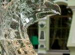 Фото интерьерной ледяной скульптуры Грифон - 4