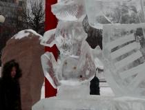 Ледяная горка с часами -2