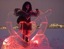 Ледяные скульптуры в виде сердца. Фото-3