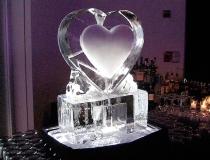 Ледяное сердце для украшения стола. Фото-1