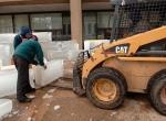 Монтаж блоков изо льда
