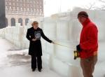 Высота стен лабиринта изо льда 2 метра