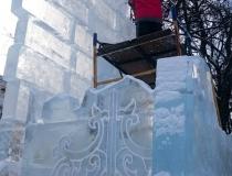 Скульптурные работы на ледяном комплексе фото-2
