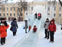 Ледяной комплекс Снежная Королева в Калуге фото-1