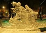 Ледяная скульптура Бабы Яги