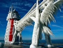 Маяки покрытые льдом - 1