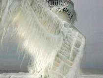 Маяки покрытые льдом - 2