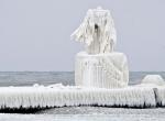 Маяки - ледяные статуи фото-12
