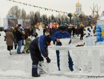 Ледяные скульптуры на праздник масленица