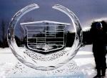 Логотип Cadillac изо льда