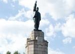 Памятник Ленину установленный на месте монумента Дома Романовых