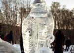 Украшение города фигурами изо льда - 8