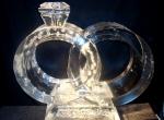 Ледяная скульптура в виде свадебных колец