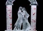 Ледяная композиция для подарка на свадьбу