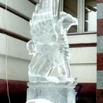 Ледяная фигура грифона