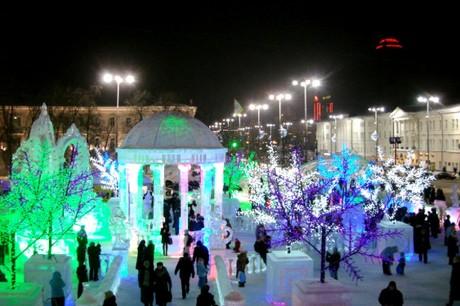 Фото ледяных скульптур с фестиваля «Вишневый сад» в Екатеринбурге