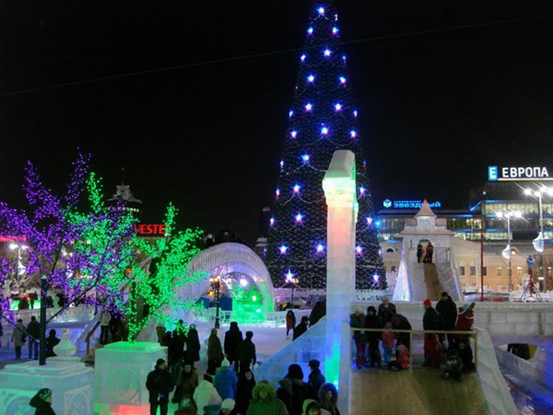 Фото ледяной ротонды на фестивале Вишневый сад