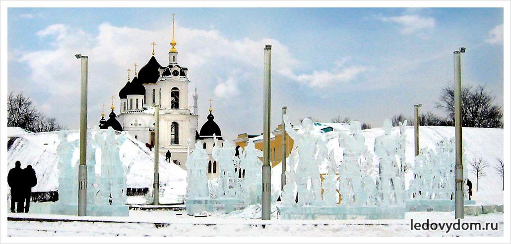 Украшение городской площади ледяными скульптурами