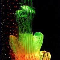 Интерьерные скульптуры изо льда в виде кактусов