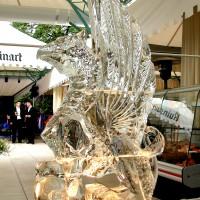 Фото ледяной скульптуры Грифон