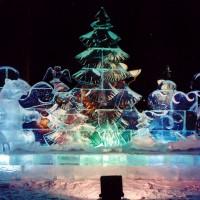 Фронтальная ледяная композиция Медведь и охотник