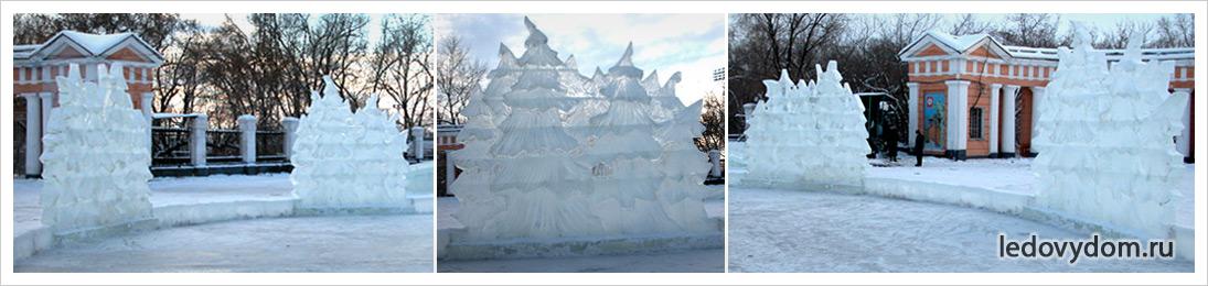 Ледяные скульптуры в виде елей