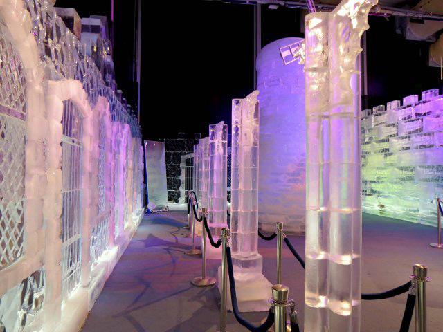 Фестиваль ледяных скульптур фото