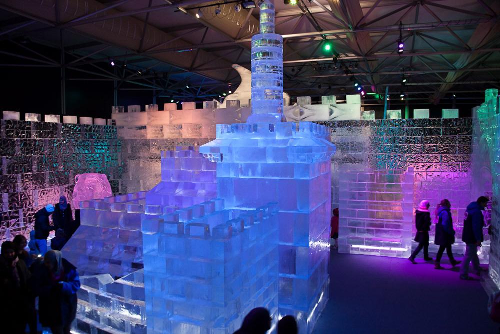 Сооружения изо льда на фестивале в Иерусалиме