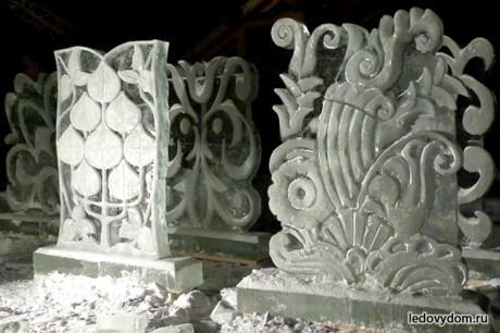 Декоративные ледяные композиции из растительных мотивов
