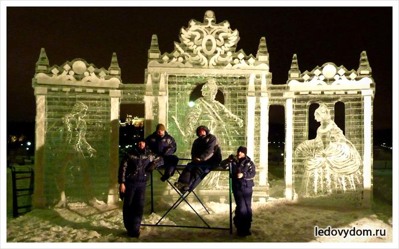 Екатерина Великая и придворные изо льда