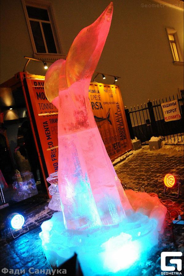 Ледяная скульптура на открытии ресторана Рыбка