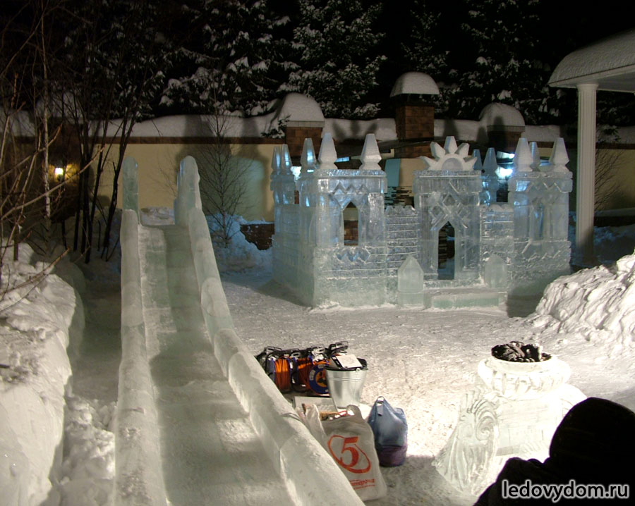 Детский ледяной городок