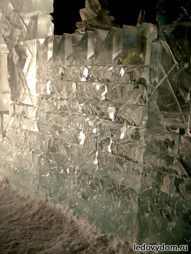 Ледяная фактура в виде кирпичной кладки
