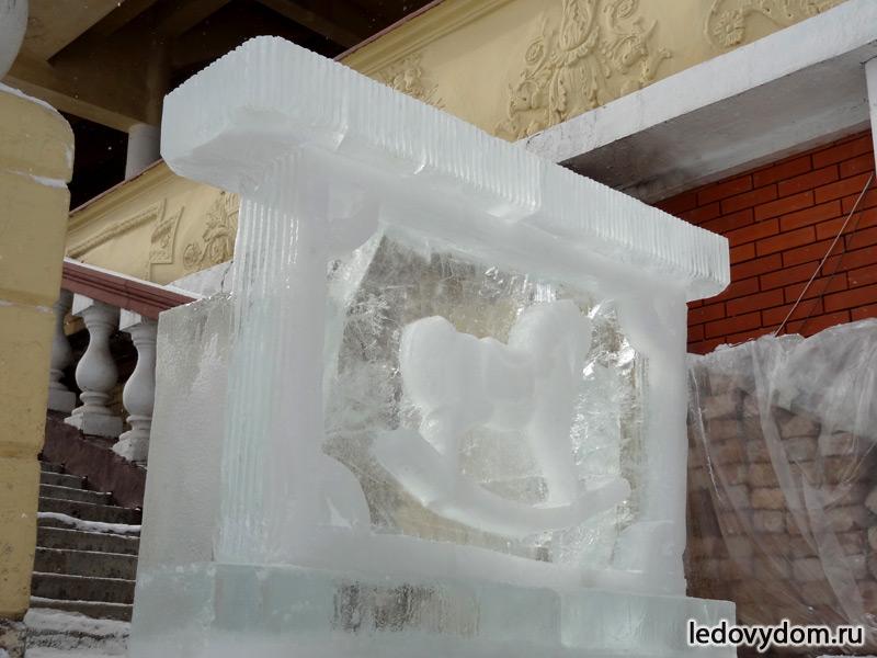 Барная стойка изо льда