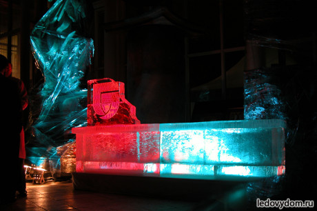 Ледяной бар в мастерской Церетели