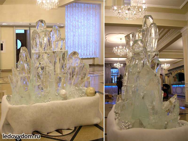 Ледяная скульптура в интерьере