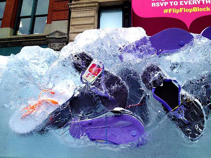 800 пар шлепок во льду