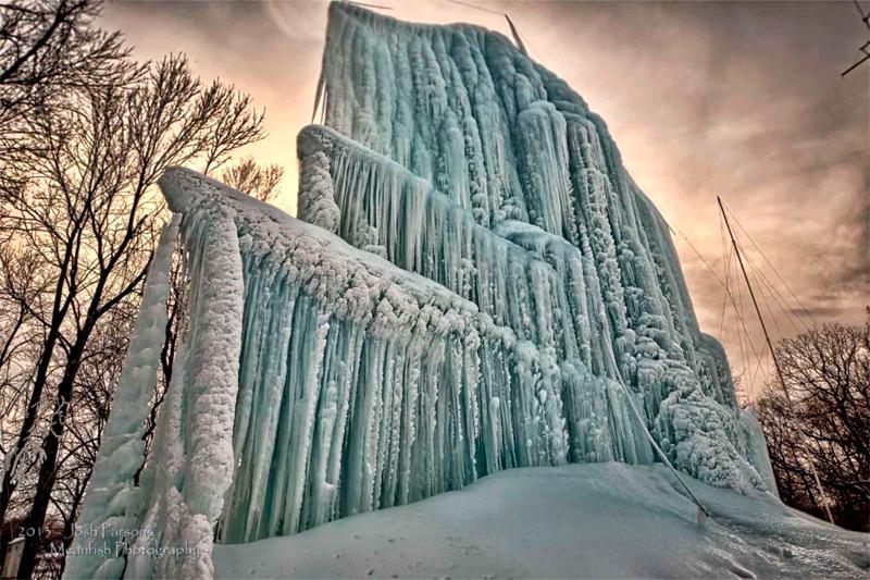 Ледяной замок Роджера Хэнсона в Миннестоте