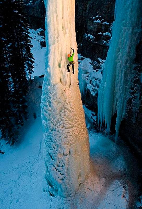 Высота ледяного столба 50 метров