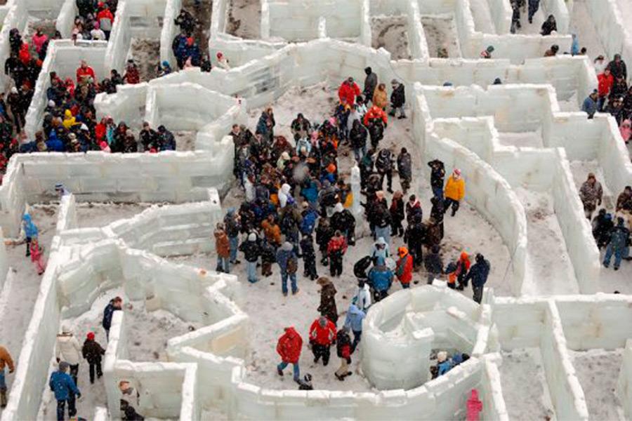Ледяной лабиринт в Буффало