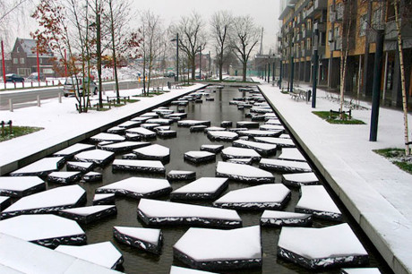 Льдины на улицах города