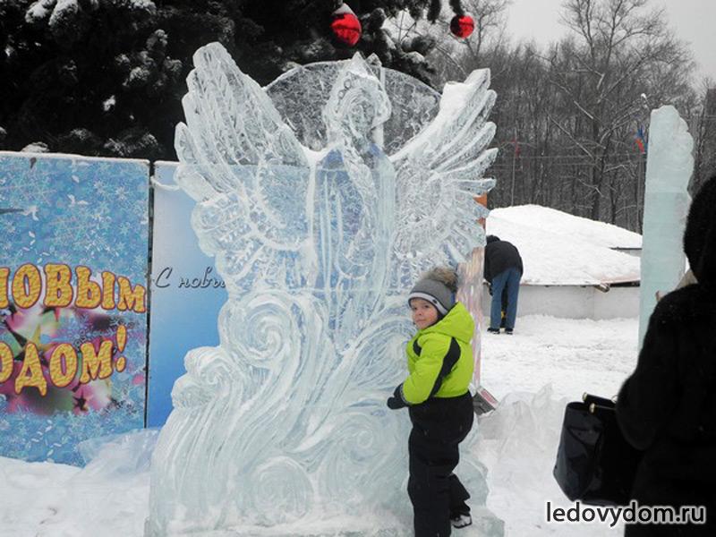 Царевна Лебедь изо льда