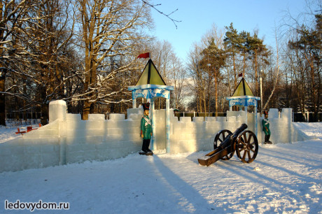 Ледяная крепость в Бутово
