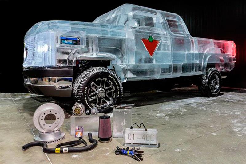 Ледяной автомобиль на каркасе Chevrolet Silverado