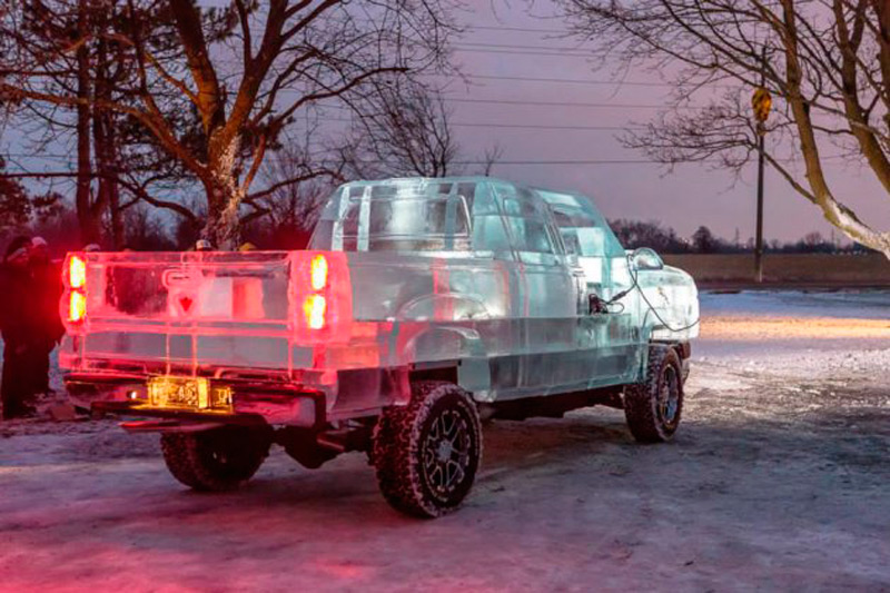 Первое ледяное авто на собственном ходу